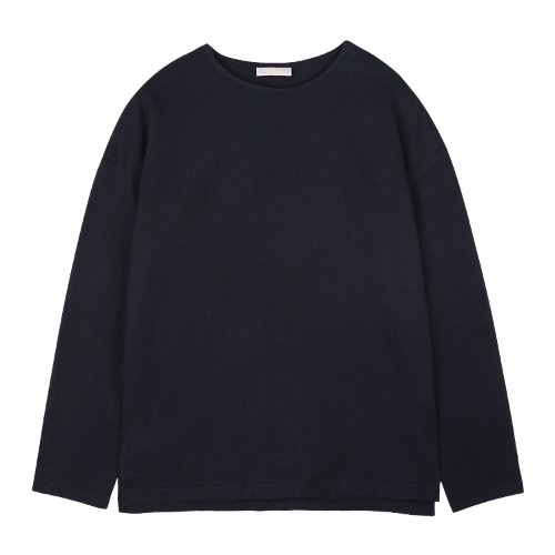 iuw823 loose fit box T (navy)